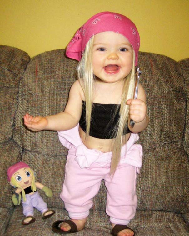 Μωρά που μοιάζουν με τις κούκλες τους (8)
