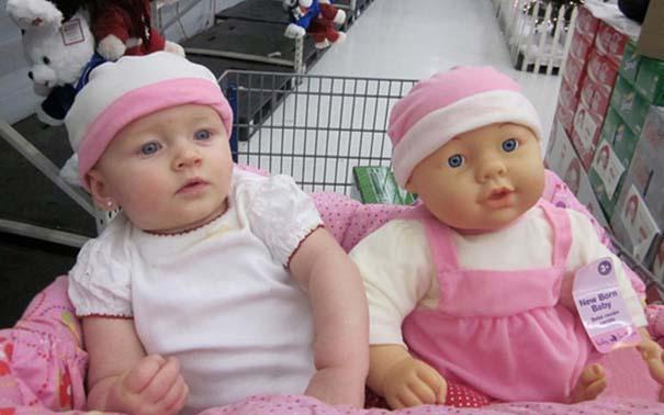 Μωρά που μοιάζουν με τις κούκλες τους (15)