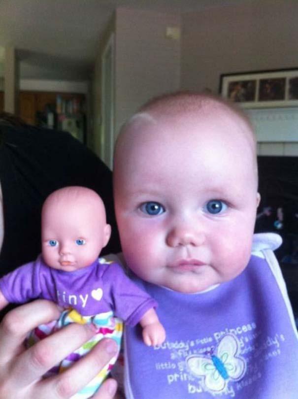 Μωρά που μοιάζουν με τις κούκλες τους (17)