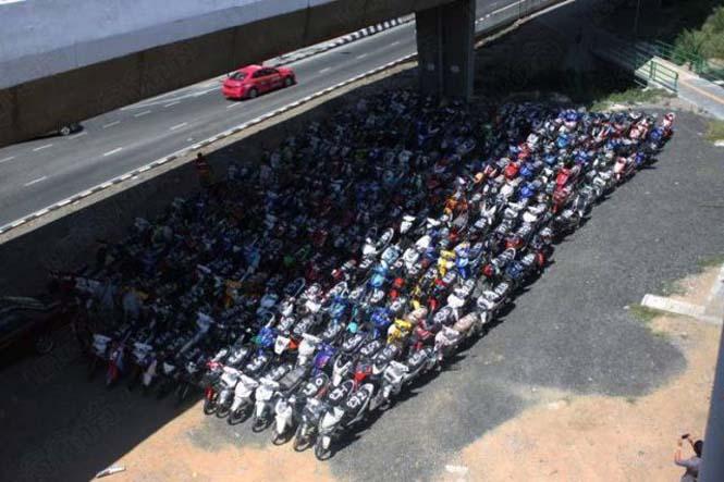 Αυτό συμβαίνει σε όσους κάνουν παράνομες κόντρες στους δρόμους της Ταϊλάνδης (1)
