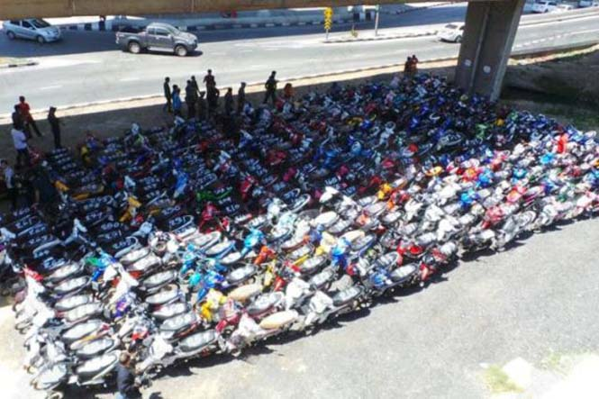 Αυτό συμβαίνει σε όσους κάνουν παράνομες κόντρες στους δρόμους της Ταϊλάνδης (2)