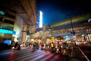 Αυτό συμβαίνει σε όσους κάνουν παράνομες κόντρες στους δρόμους της Ταϊλάνδης (8)