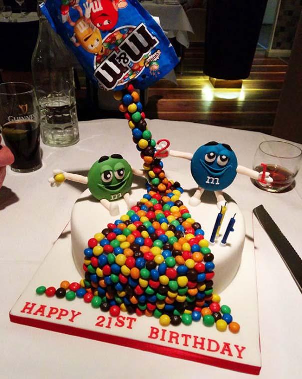 Πρωτότυπες τούρτες που θα λυπόσουν να κόψεις (24)