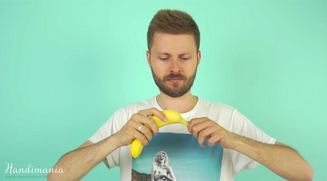 Ο σωστός τρόπος για να ξεφλουδίσετε μια μπανάνα