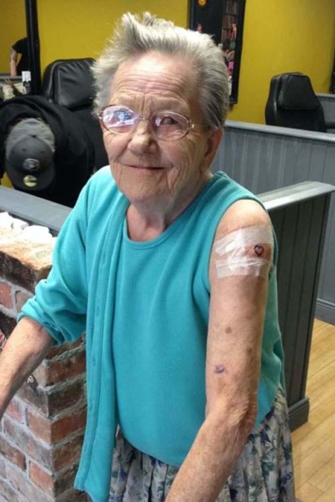 79χρονη το έσκασε από οίκο ευγηρίας για να κάνει τατουάζ (3)