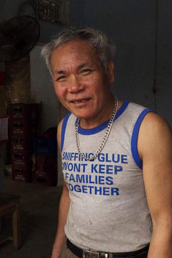 Αλλόκοτα T-shirts που κυκλοφορούν στην Ασία (1)