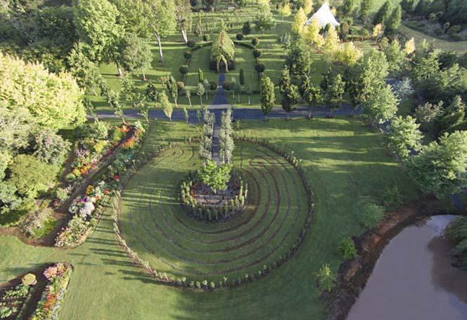 Άνδρας αφιέρωσε 4 χρόνια στην ανάπτυξη ενός ναού από δένδρα (2)