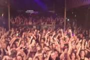DJ τρολάρει ολόκληρο πλήθος