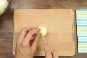 Ο καλύτερος τρόπος για να κόψετε ένα κρεμμύδι