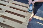 Κατασκευάζοντας ένα εντυπωσιακό αίθριο με παλέτες (1)