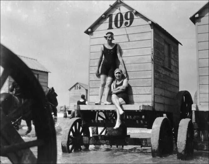 Μια μέρα στην παραλία πριν από 100 χρόνια (6)