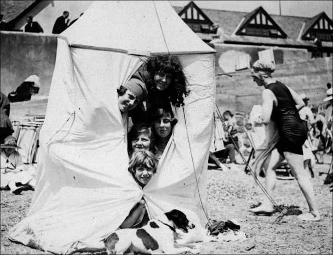 Μια μέρα στην παραλία πριν από 100 χρόνια (11)