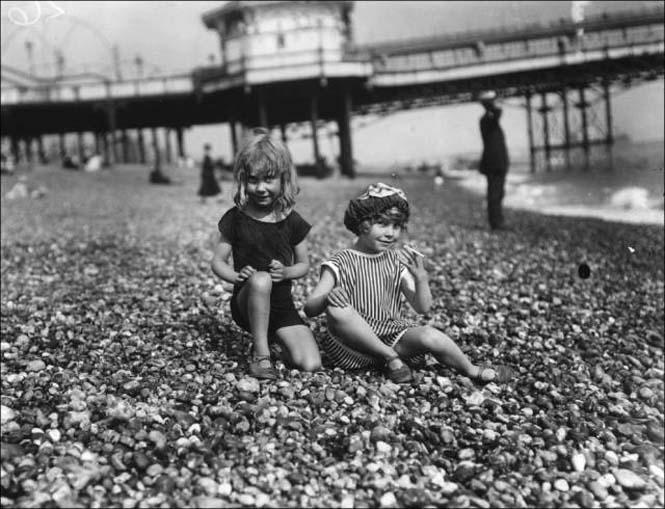 Μια μέρα στην παραλία πριν από 100 χρόνια (17)