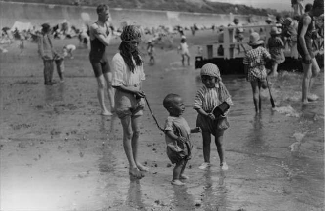 Μια μέρα στην παραλία πριν από 100 χρόνια (18)