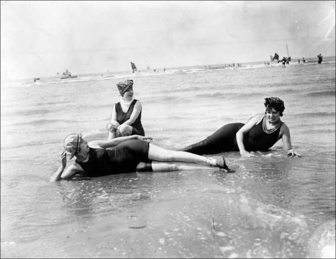 Μια μέρα στην παραλία πριν από 100 χρόνια (26)