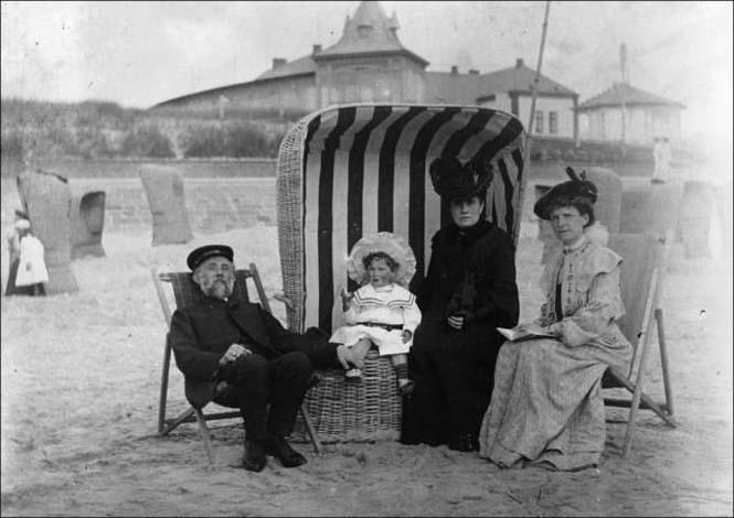 Μια μέρα στην παραλία πριν από 100 χρόνια (28)