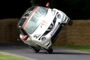 Οδηγός σπάει το ρεκόρ ταχύτερης οδήγησης στις δυο ρόδες