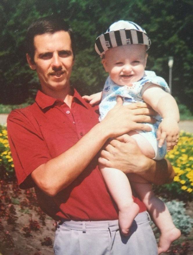 Πατέρας και γιος πριν 20 χρόνια και σήμερα (1)