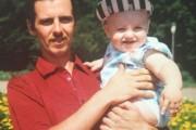 Πατέρας και γιος πριν 20 χρόνια και σήμερα (3)