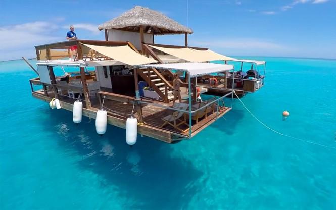 Πλωτό bar στα νησιά Fiji | Φωτογραφία της ημέρας