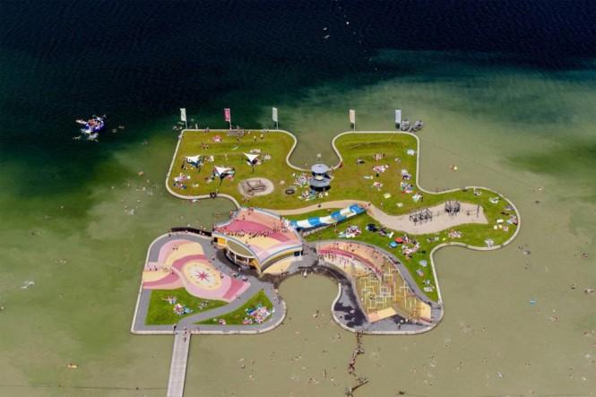 Νησάκι σε σχήμα κομματιού παζλ στην Ουτρέχτη της Ολλανδίας | Φωτογραφία της ημέρας