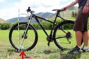 Πως στέκονται όρθια τα ποδήλατα