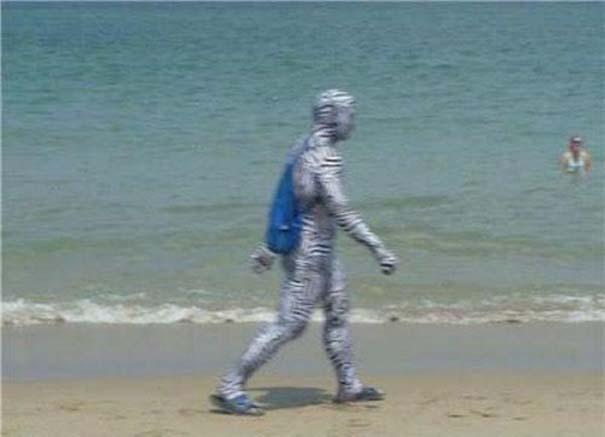 27 κωμικοτραγικά σκηνικά που θα συναντήσεις στην παραλία (2)