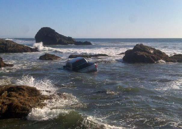 27 κωμικοτραγικά σκηνικά που θα συναντήσεις στην παραλία (8)