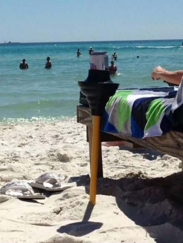 27 κωμικοτραγικά σκηνικά που θα συναντήσεις στην παραλία (21)