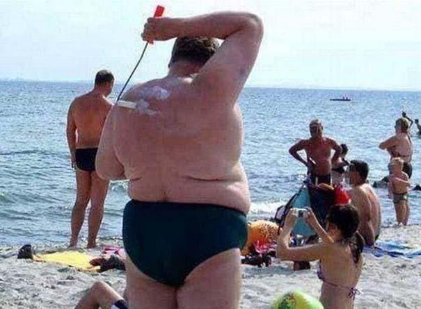 27 κωμικοτραγικά σκηνικά που θα συναντήσεις στην παραλία (26)