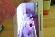 Μωρά προσποιούνται πως κοιμούνται μόλις ακούσουν την φωνή της μητέρας τους