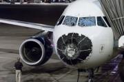 Αεροπλάνο μετά από χαλάζι (1)
