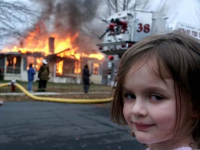 Εδώ ο κόσμος καίγεται... (6)