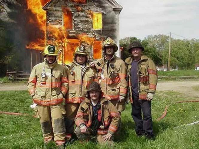 Εδώ ο κόσμος καίγεται... (8)