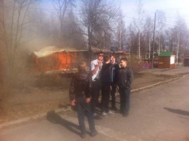 Εδώ ο κόσμος καίγεται... (16)