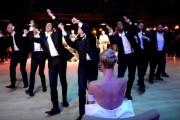 Επαγγελματίας χορευτής σε χορευτικό έκπληξη για τη νέα του σύζυγο