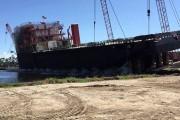 Αυτή η καθέλκυση πλοίου επιφύλασσε στους θεατές μια δυσάρεστη έκπληξη