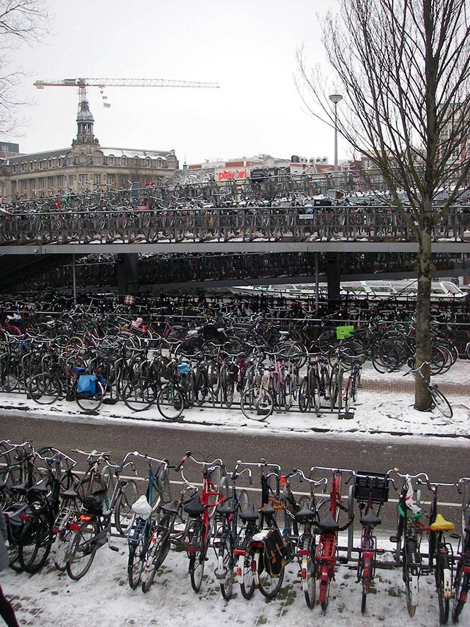 Το μέσο πάρκινγκ στην Ολλανδία | Φωτογραφία της ημέρας