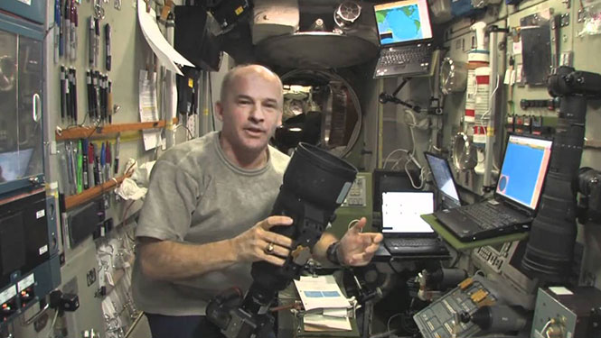 Τι συμβαίνει όταν ο Διεθνής Διαστημικός Σταθμός επιταχύνει