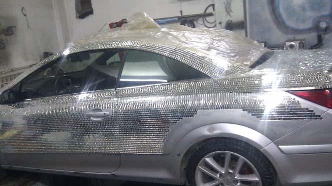 Αυτοκίνητο καλυμμένο από καθρέφτες (3)