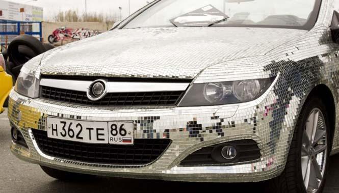 Αυτοκίνητο καλυμμένο από καθρέφτες (7)