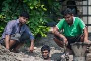 Οι δύτες υπονόμων στο Δελχί έχουν μια από τις πιο αηδιαστικές δουλειές στον κόσμο (1)