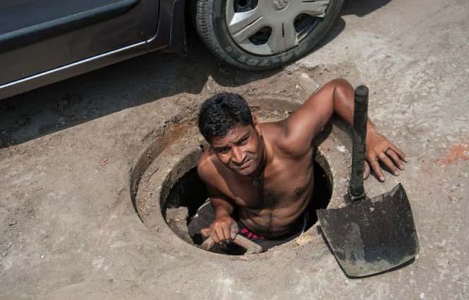 Οι δύτες υπονόμων στο Δελχί έχουν μια από τις πιο αηδιαστικές δουλειές στον κόσμο (7)