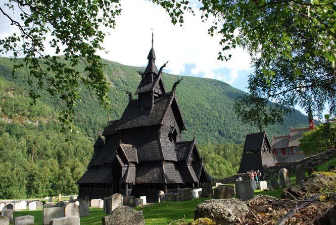 Εντυπωσιακός ναός στο Borgund της Νορβηγίας (8)