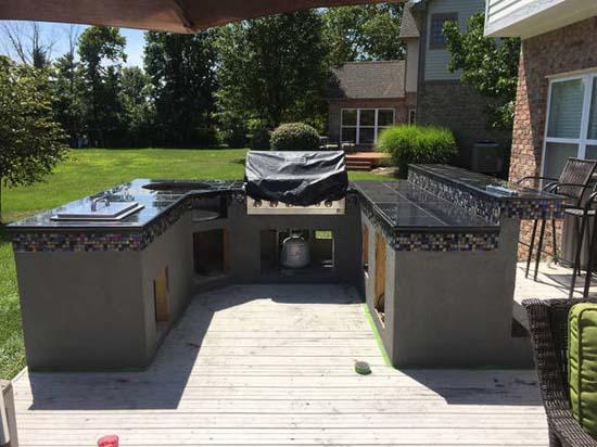 Κατασκευάζοντας μια εντυπωσιακή υπαίθρια κουζίνα (29)