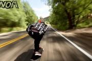 Longboarder κατεβαίνει πετώντας έναν δρόμο στο Κολοράντο με 110χλμ/ώρα