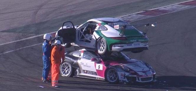 Παράξενο ατύχημα με Porsche σε αγώνα ταχύτητας (2)