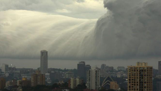 Σύννεφο τσουνάμι πάνω από το Σίδνεϊ | Φωτογραφία της ημέρας