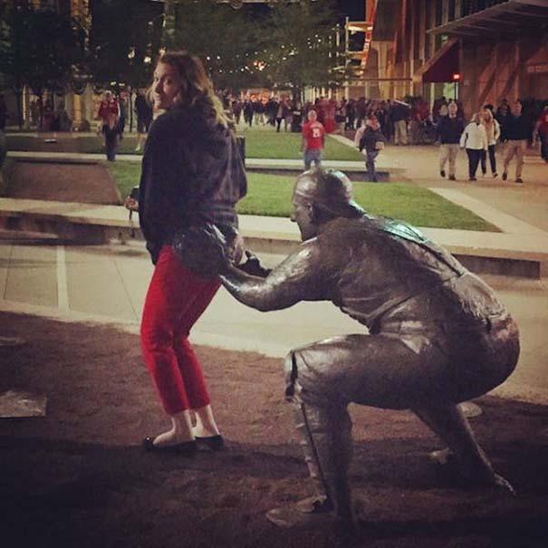 Ποζάροντας με αγάλματα #17 (9)