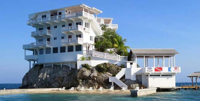 Villa on Dunbar Rock (13)